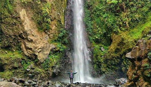Curug Genting Desa Bawang Kecamatan Blado Kabupaten Batang