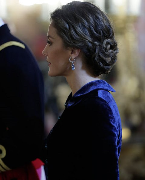 Royal ladies wear a long dress at Pascua Militar ceremony as a tradition.