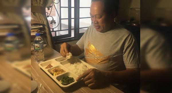 Ahmad Maslan Kena Kutuk KAW-KAW Selepas Kongsi Gambar Makan Nasi Lauk Ikan Masin