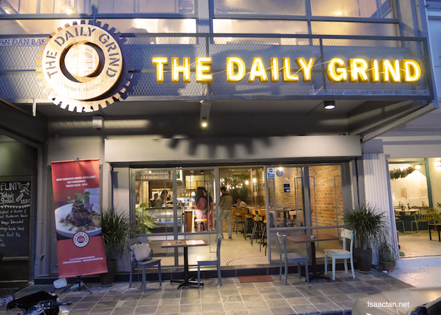 The Daily Grind @ Ampang With The Entertainer