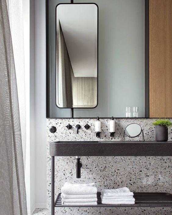 7 Memphis-Inspired Bathrooms | Slow Design Blog⎟Ilaria Fatone