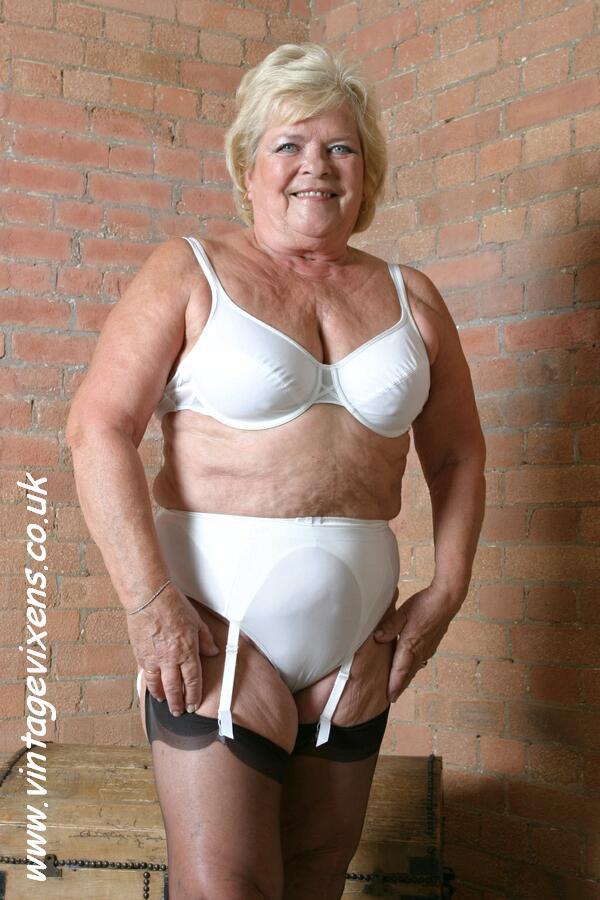 Nude Blonde Mature Women
