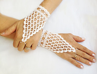 crocheted wedding gloves designed by Nez Jewelry on Ravelry