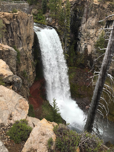 Tumalo Falls in Bend, Oregon | A Hoppy Medium