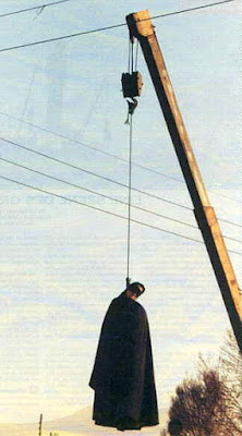 Public hanging of a female prisoner, Iran (file photo)