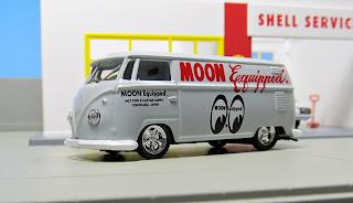M2 Machines Mooneyes   1960 VW Delivery Van