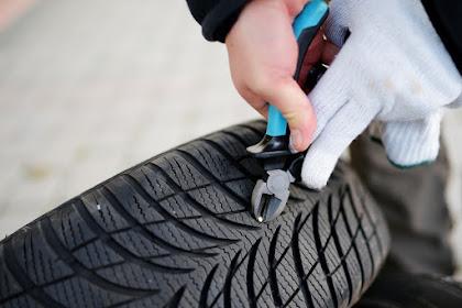 Rouler avec un clou dans un pneu: Est-ce sécuritaire