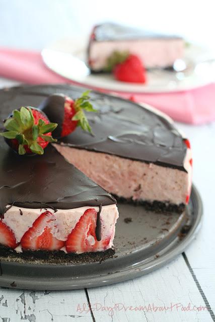 Strawberry Almond Cheesecake Recipe — Dishmaps