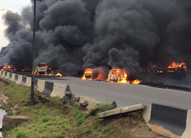 tanker-explosion-at-Otedola-bridge