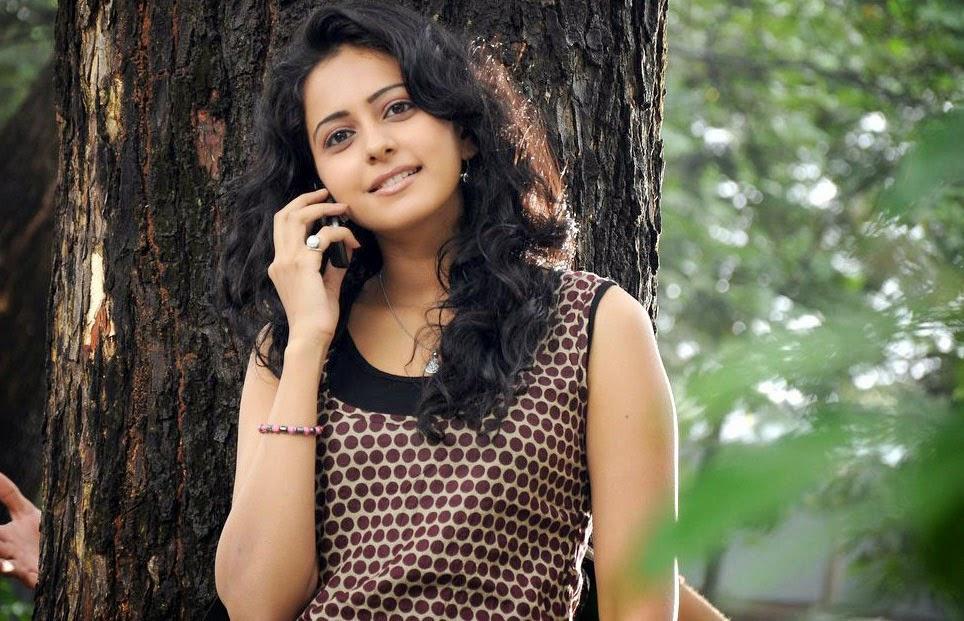 Telugu Actress Rakul Preet Singh Funny Playing Photos