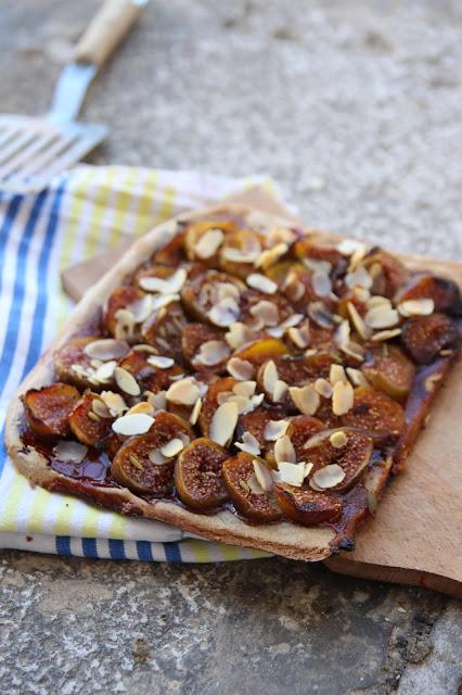 Cuillère et saladier : Pizza sucrée aux figues