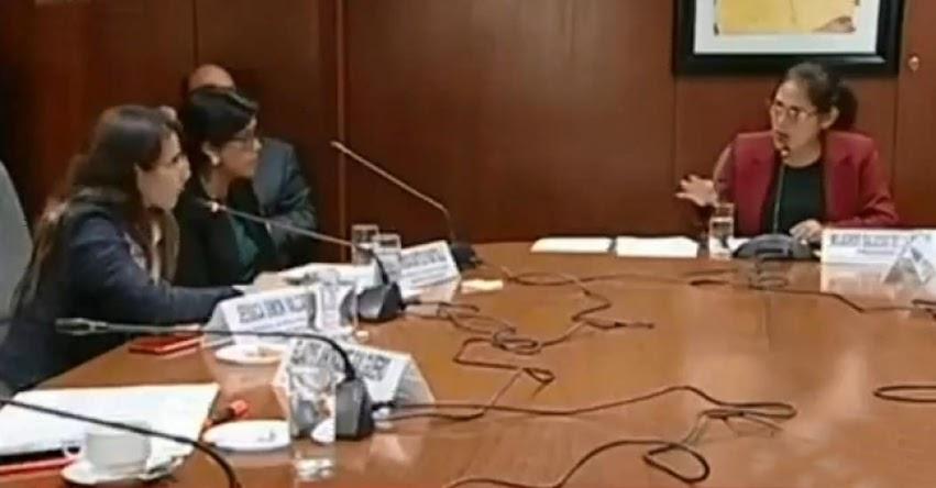 Congresista fujimorista Milagros Salazar hizo callar a una profesora cuando pidió intervenir durante sesión de Comisión de Educación