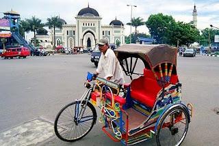 Angkutan/kendaraan umum di kota Medan - Becak dayung