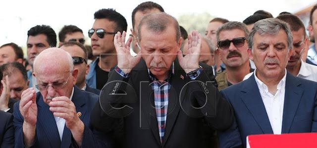 Presiden TURKI, Erdogan Shalat Jenazah untuk Semua Korban Kudeta