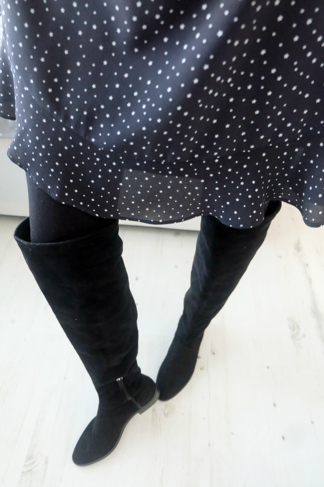 topshop navy star print dress, flat over the knee boots zara, mulberry del rey bag