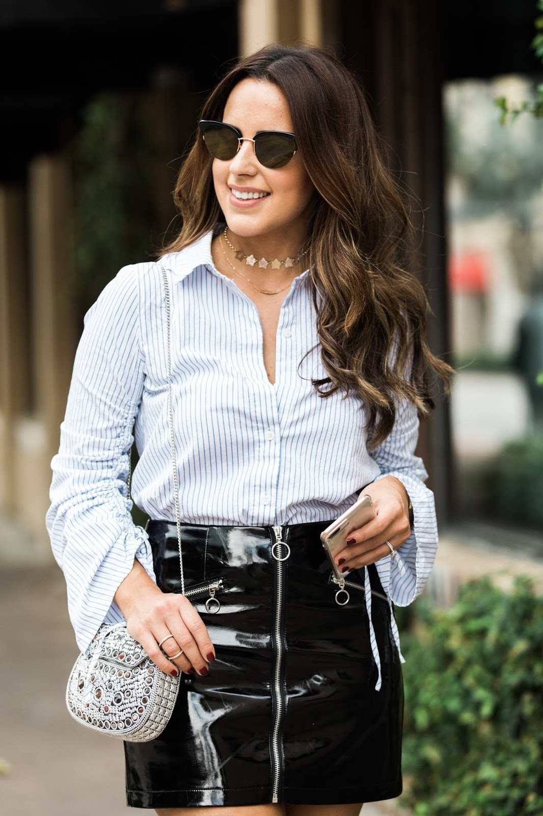 fall-outfits-patent-leather-skirt-gold-star-choker-miami-blogger-kelly-saks