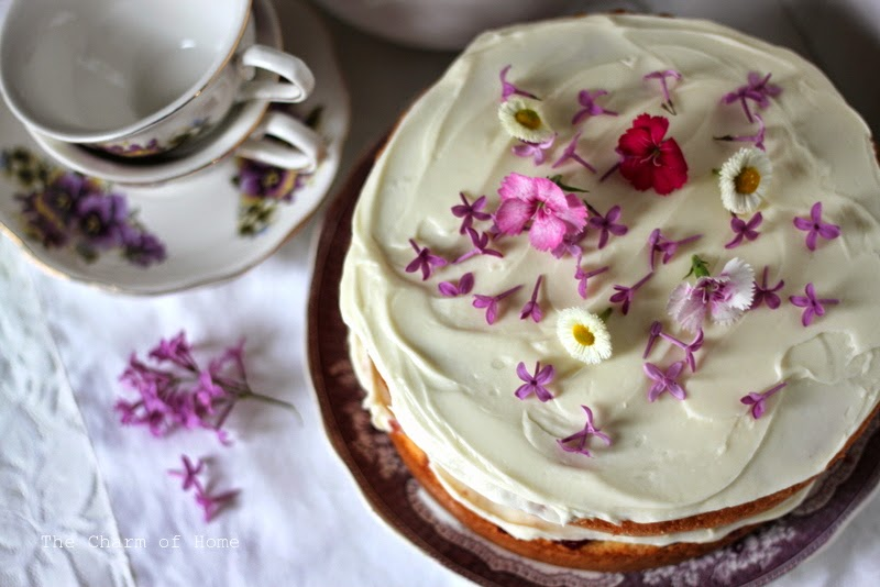Naked Cake: The Charm of Home