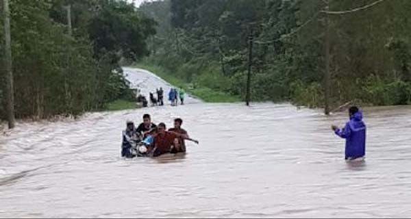 Bencana banjir, Keluarga Ahok Menjadikan Tempat tinggalnya Jadi Tempat Mengungsi serta Dapur Umum untuk 20 KK