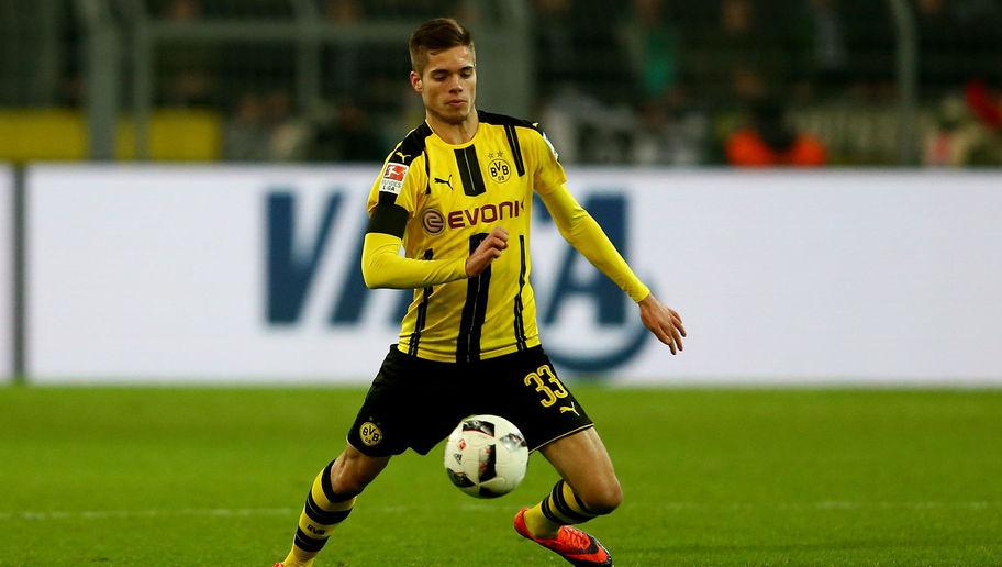 Dortmund Tidak Perbolehkan Weigl Pindah ke PSG