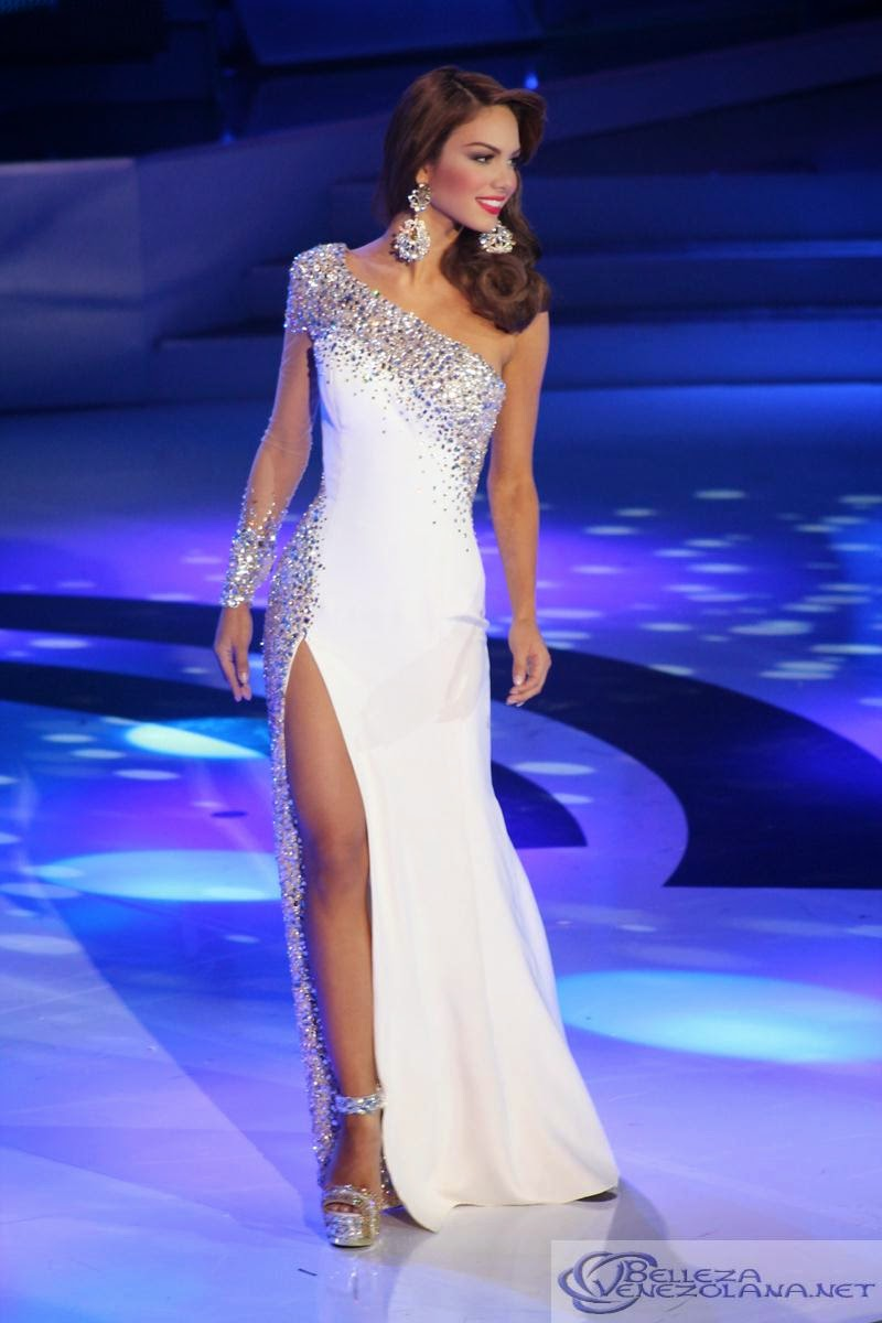 SASHES AND TIARASMiss Venezuela 2014 Finals Evening