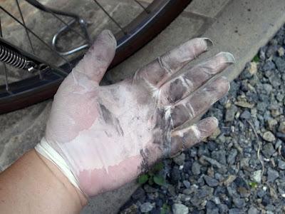 電動アシスト自転車 ヤマハパスのチェーンメンテナンスにゴム手袋は必須!