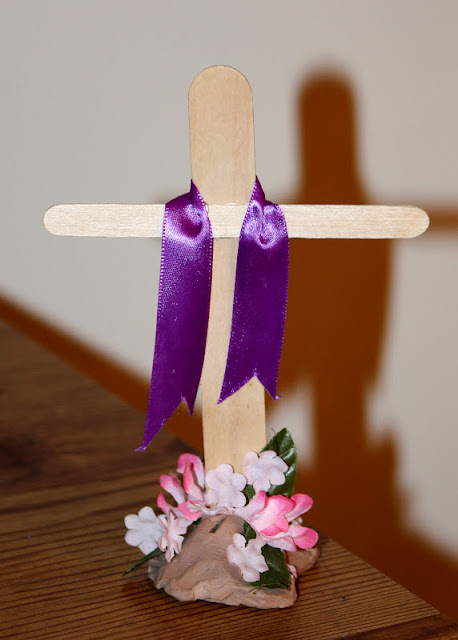 Sister-Dipity: Easter Cross Decoration