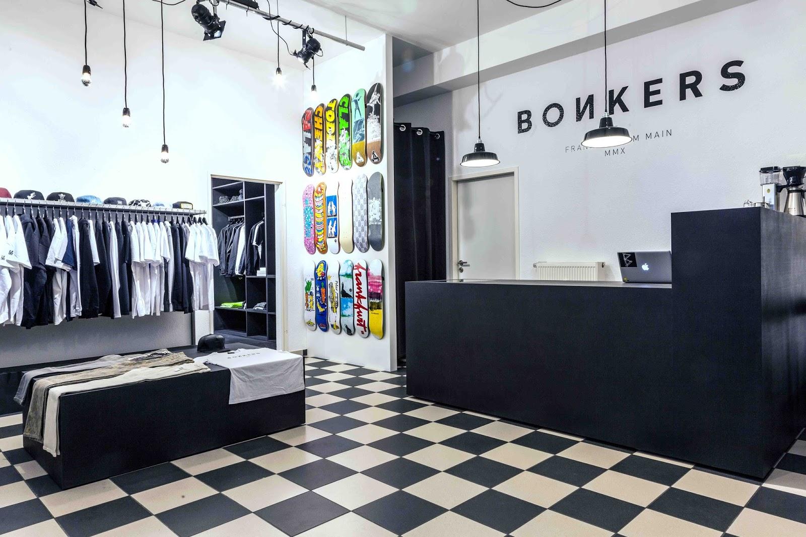 aa88d34db5c74c DMLB  Seit wann gibt es euren Shop und wie seid ihr auf die Idee gekommen  einen Skateshop zu eröffnen  Die große Hoffnung nach möglichst viel Umsatz  kann es ...