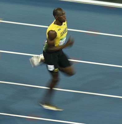 1a2 - #Rio Olympics 2016:Usain Bolt wins third straight Gold medal in 200m race as promise