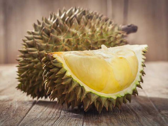 salah satu khasiat durian adalah merangsang nafsu syahwat lelaki