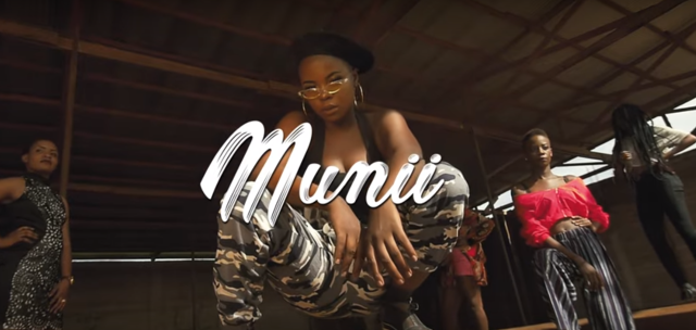 Download Video | Munirah Pendeza - Munii