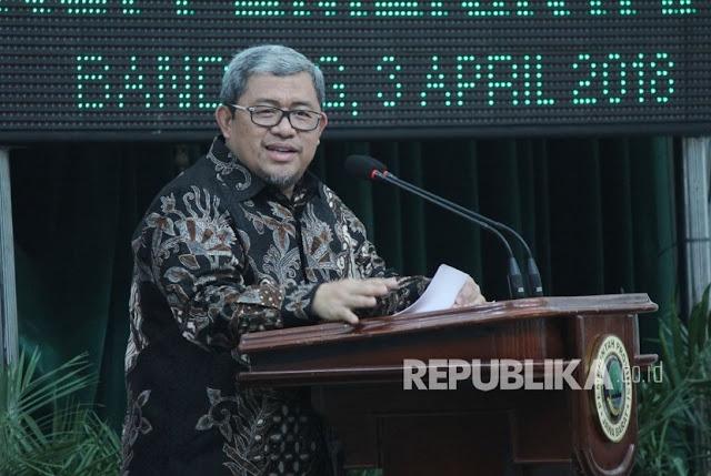 Aher Dapat Penghargaan Tertinggi Kepala Daerah dari Presiden