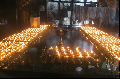 Mcleodganj, dharamsala, hill stations, buddhism, india, travel, Tibetan temple, lamps