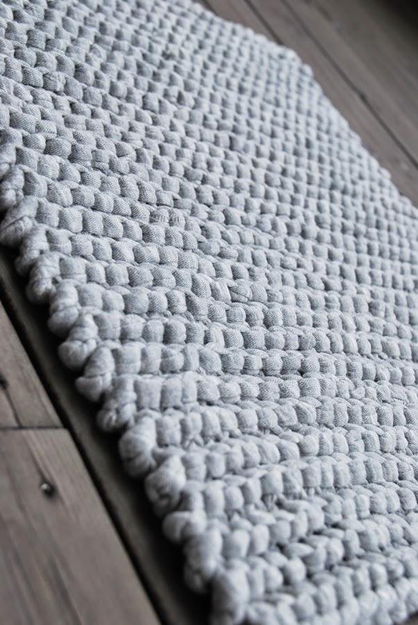 gulvteppe under sofagruppe