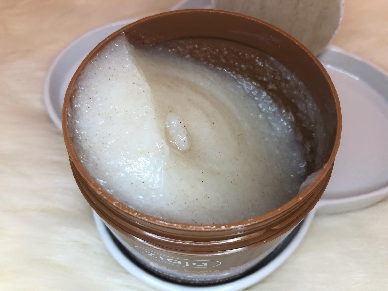 Cupuaçu vajat tartalmazó testradír