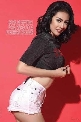 Galeri Foto Seksi Model Cantik DJ Sourra, FHM Indonesia 2017
