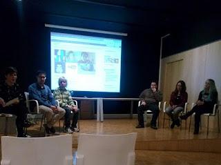 Foto de YouTubers de Vitoria Gasteiz:  En orden de izquierda a derecha: Ainara Pérez, Gari González, DaniiVlog, Gorka Barredo, Flye Tamako, Aizea Gallagher
