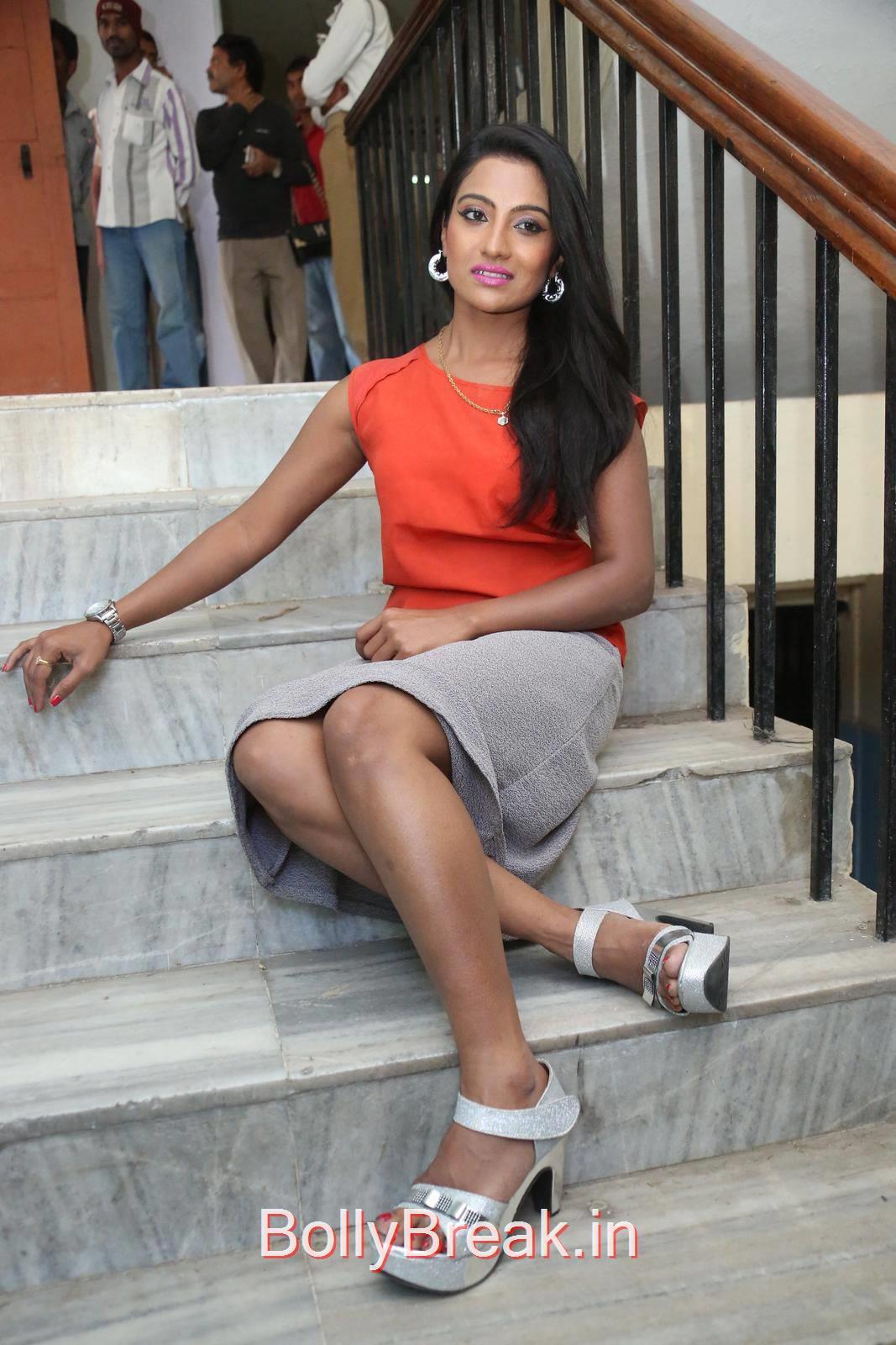 Telugu Actress Mamatha Rahuth, Mamatha Rahuth Hot Pics from National Silk Expo Launch