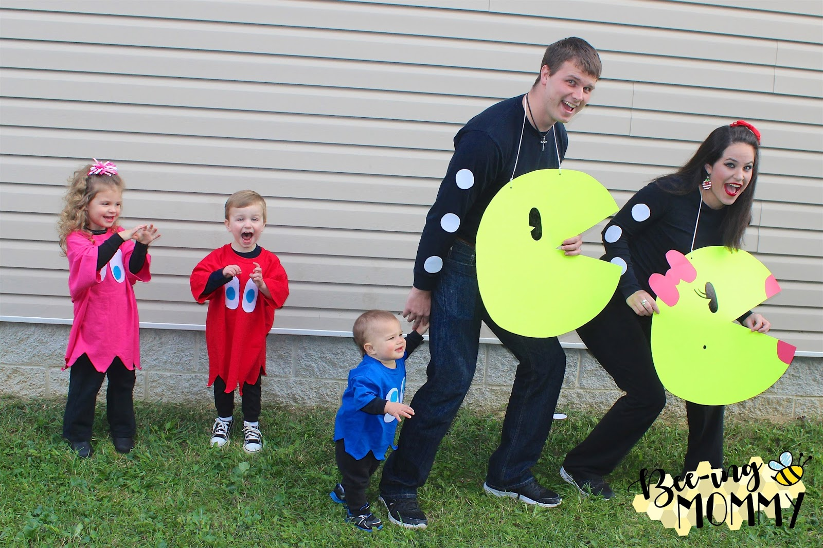 Bee Ing Mommy Blog Pac Man Family Costume
