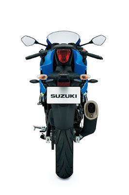 Suzuki GSX-S150 rear view