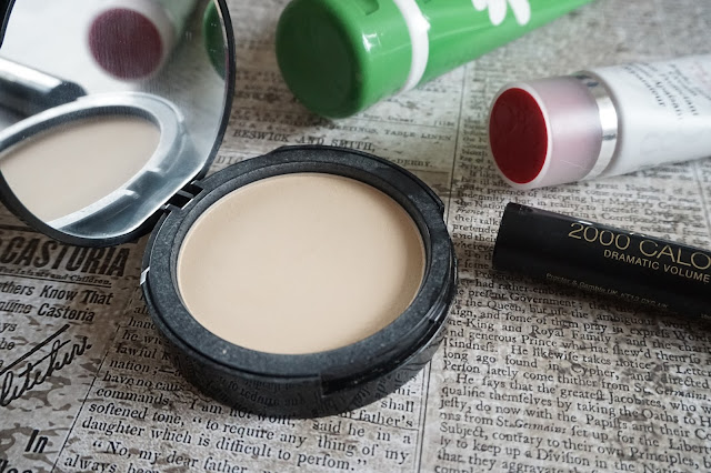 Too Faced - Skin-Balancing Flexible Coverage Foundation Powder