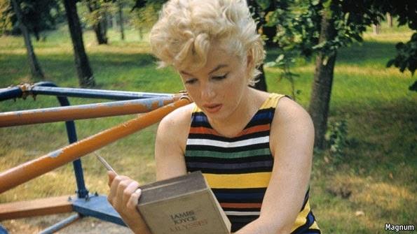 marilyn monroe leyendo el ulisses de james joyce