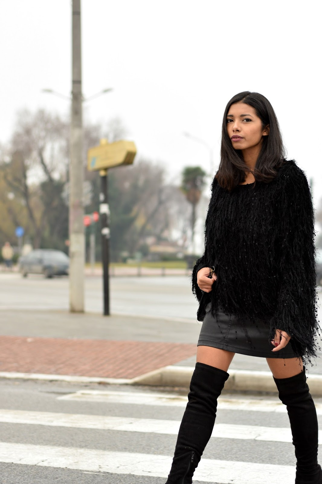 k-meets-style Greek fashion blogger streetstyle in Thessaloniki