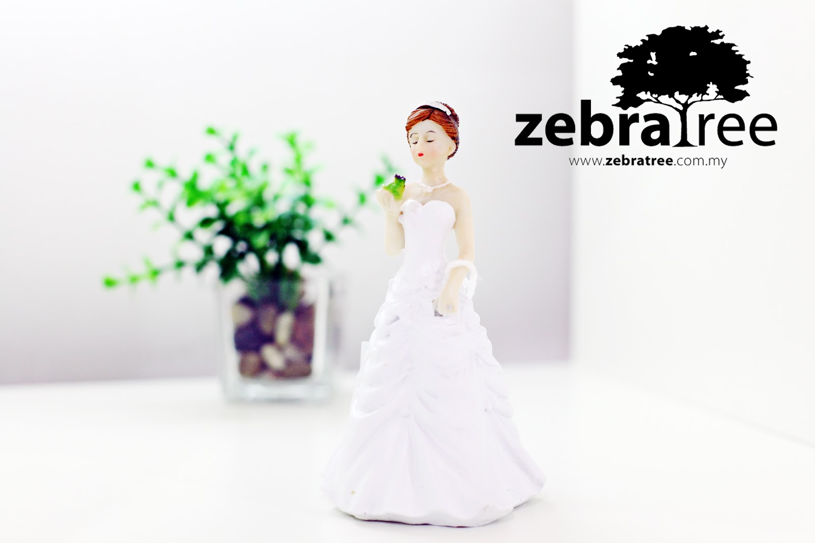 princess and the frog wedding cake topper zebratree quot princess and the frog quot wedding cake topper 18762