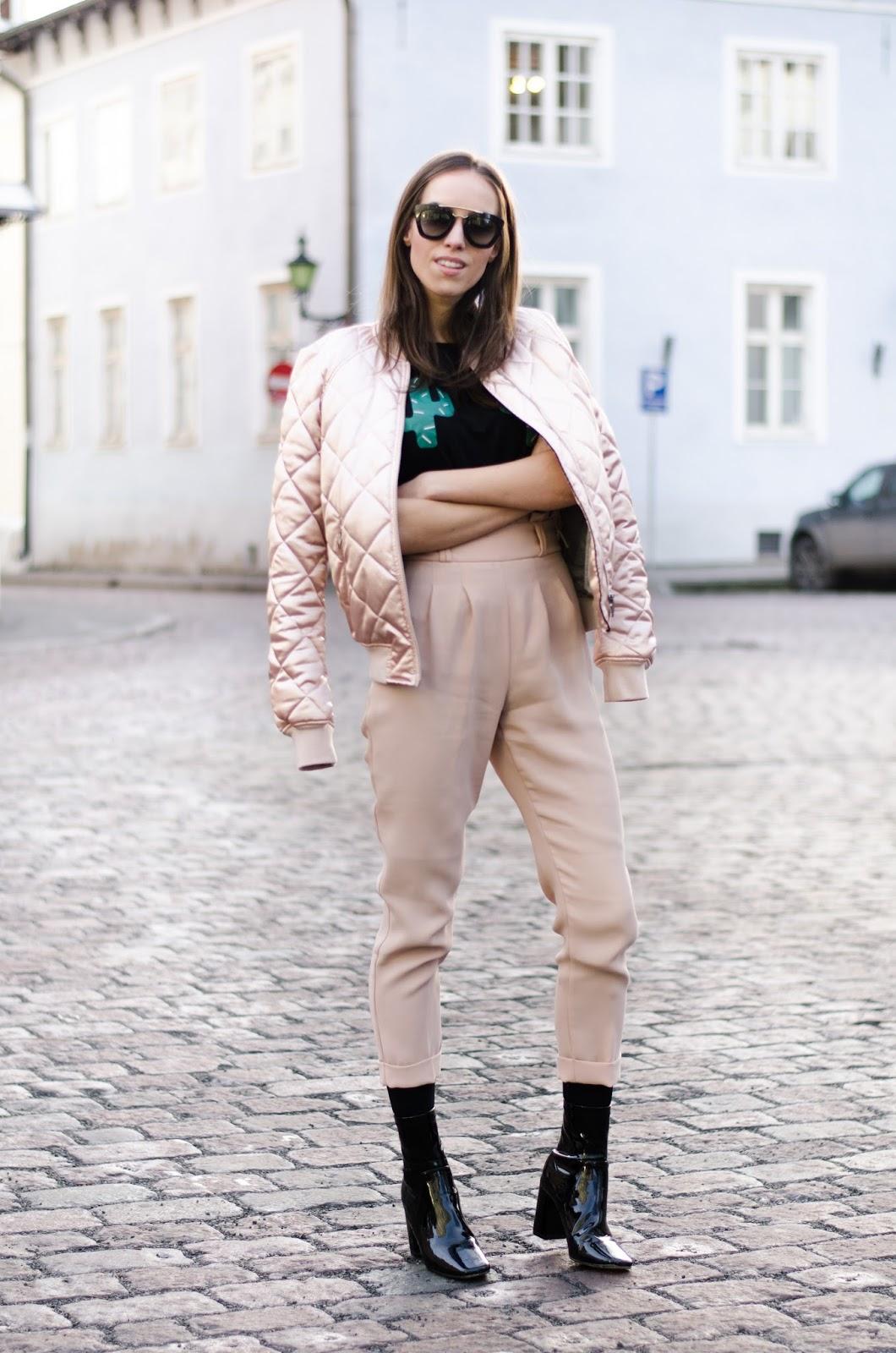 kristjaana mere pink pants outfit