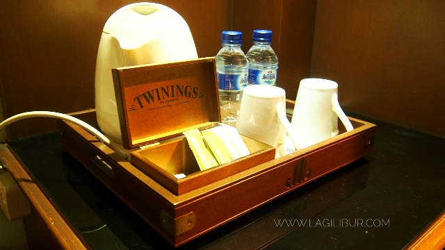 Mini Bar The Sunan Hotel Solo