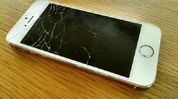Thay mặt kính iPhone 5s giá rẻ