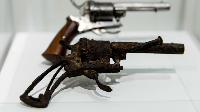 Gun that Van Gogh killed himself with goes up for auction