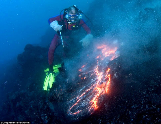 Scientists Watch an Undersea Volcano Shake, Rattle, and Inflate