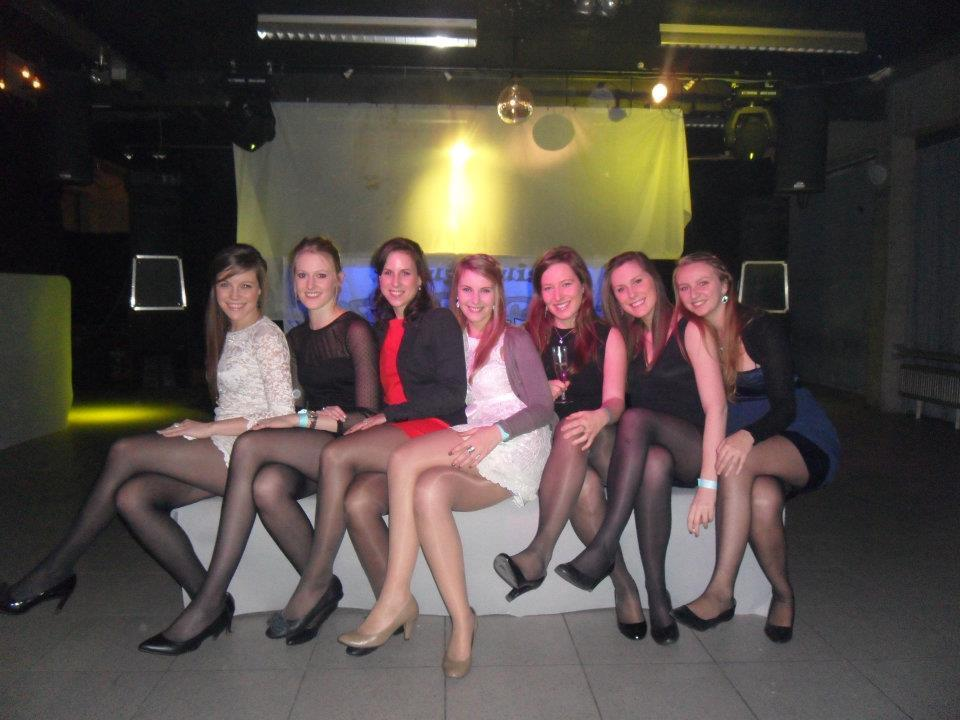 candid pantyhose groups