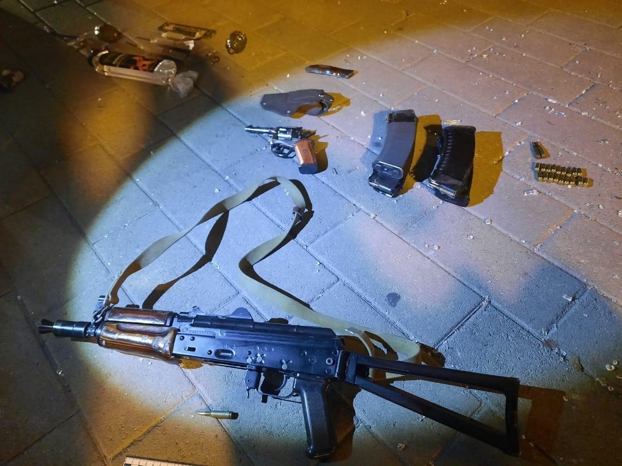 Андрій Цаплієнко оприлюднив фото арсенала терориста